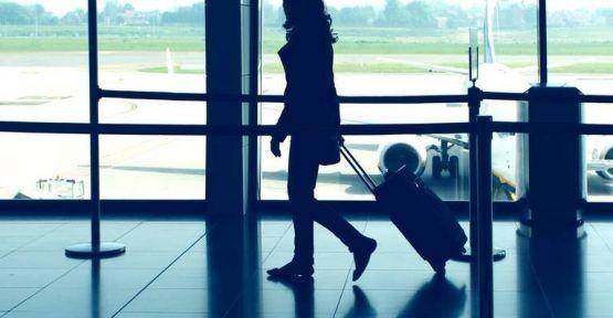 Uzun Uçuşlarda Rahat Seyahat Etmeniz için 8 İpucu